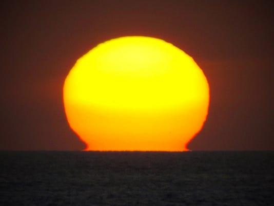 reader-mellon-pacific-sunset