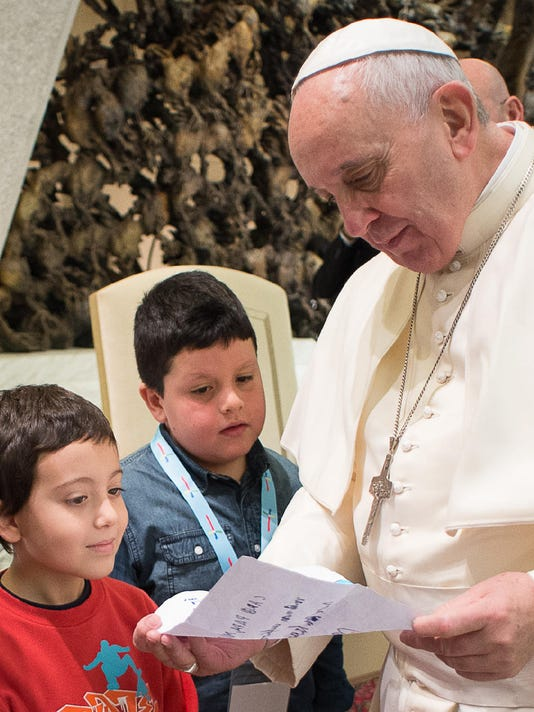 FON 1211 Vatican Pope 1.jpg
