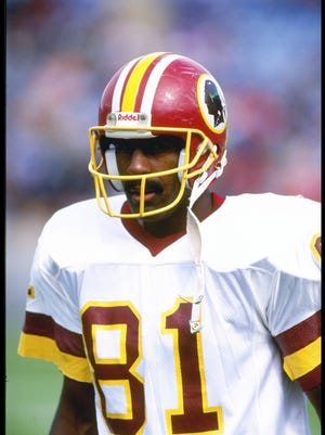 6 Oct 1991: Wide receiver Art Monk of the Washington Redskins looks on during a game against the Chicago Bears at Soldier Field in Chicago, Illinois. The Redskins won the game, 20-7. Mandatory Credit: Jonathan Daniel /Allsport