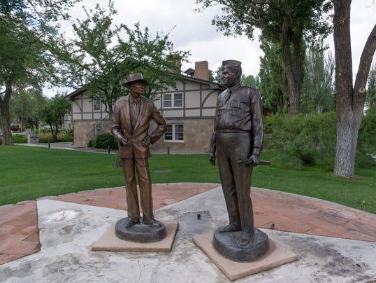 Fuller Lodge Oppenheimer Groves statues-1 Larese