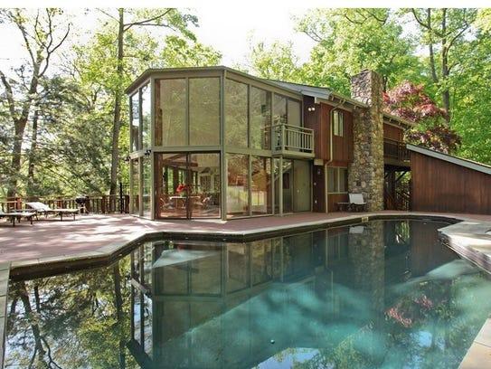 21 Beverly Warren Road has been recently sold for $825,000.