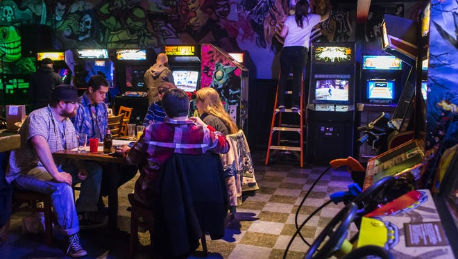 Wilmington bar/arcade 1984 will celebrate its fifth birthday Saturday night with free pizza, cake and arcade game plays.