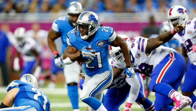 Detroit Lions running back Reggie Bush (21) rushes against Buffalo two weeks ago. Despite missing last week's game, Bush expects to play Sunday when he faces his former team, the New Orleans Saints.