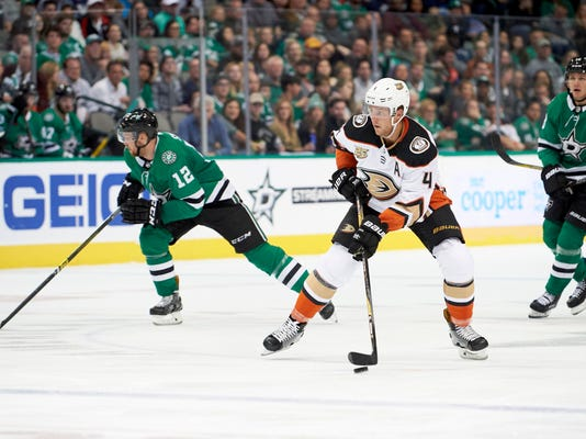 Ducks_Stars_Hockey_11418.jpg