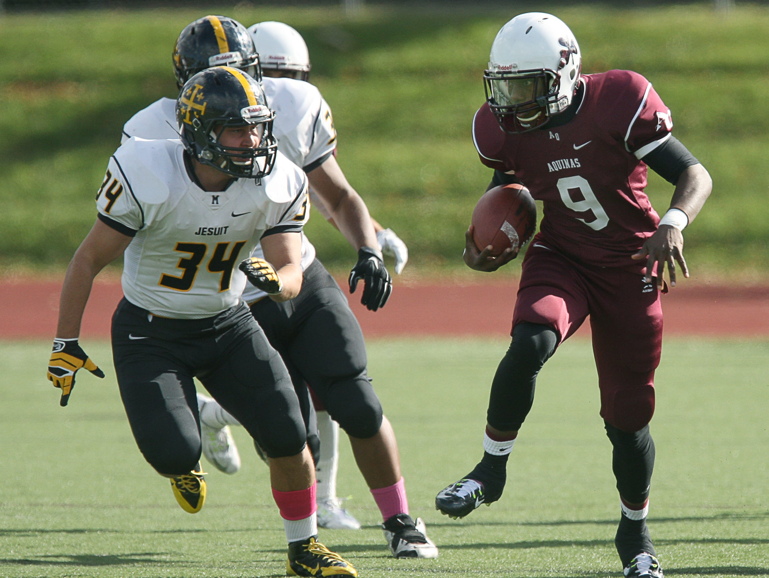 Aquinas rising senior Earnest Edwards plays at cornerback and receiver for the Little Irish.
