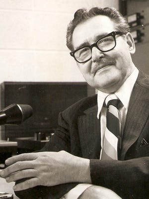 Paul Laumann in WGUC-FM's studio in 1978.