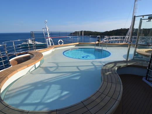 Cruise ship death fbi investigates princess cruises incident for Regal flooring arizona
