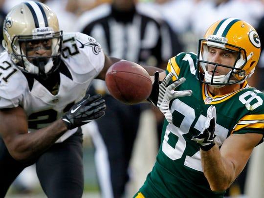 Packers receiver Jordy Nelson catches a pass in front