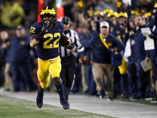 Michigan Wolverines running back Karan Higdon (22)