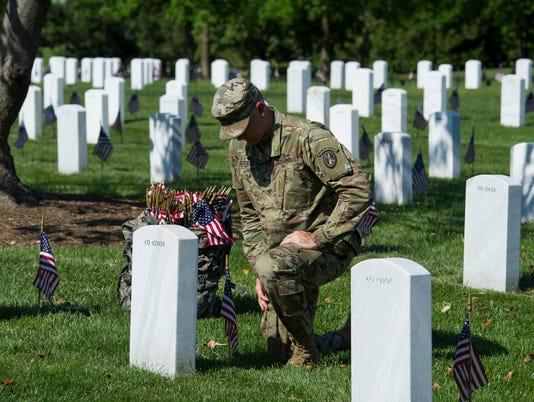 AP MEMORIAL DAY ARLINGTON A USA VA