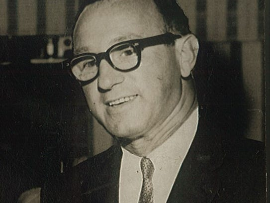 Leonard Rosen, who  helped found Cape Coral along with