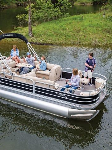 SunTracker pontoon boats will be made at the Bolivar
