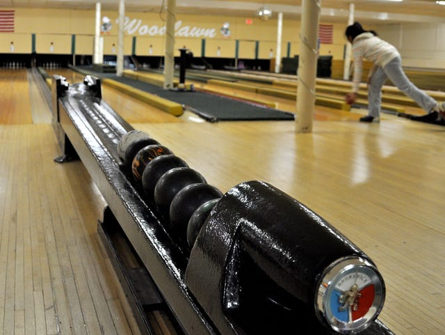 Bowling: Duckpins, candlepins roll on