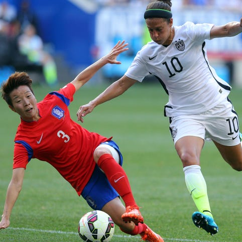 USA midfielder Carli Lloyd (10) and her teammates will have to improve when the World Cup starts in June.