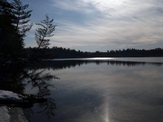 635503429840441342-deer-lake