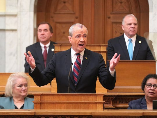 Governor Murphy address the legislature and introduces