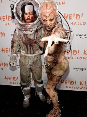 Queen of Halloween, Heidi Klum, has unveiled her costume for 2019. Klum's husband, musician Tom Kaulitz, dressed as an astronaut to complement her costume. Let's continue looking back at some of Klum's most iconic costumes.
