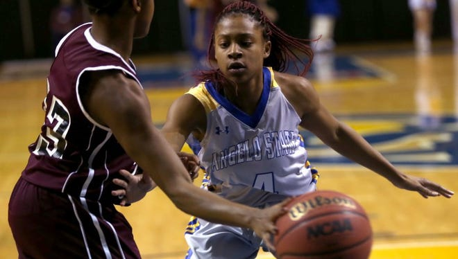 Senior guard Keanna Kelly (4) is one of just two returning players for the Angelo State University women's basketball team in 2017-18.
