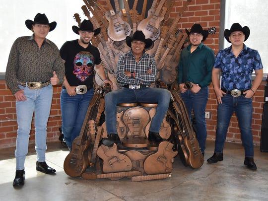 Los integrantes del grupo de música regional mexicana