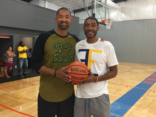 Juwan Howard, left, and Jimmy King.