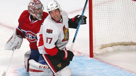 Ottawa Senators center David Legwand (17) reacts after