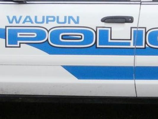635555299154601130-waupun-police-car