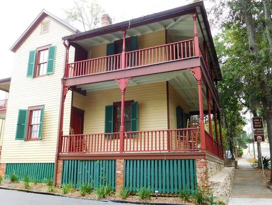 636153332699776933-John-G.-Riley-House-on-the-edge-of-Smokey-Hollow.JPG