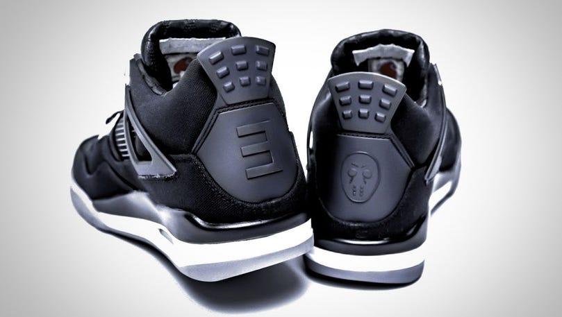 billetera Quien consenso  Rare Eminem Nike Air Jordan 4 kicks up for auction