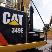 Caterpillar announces plans to move headquarters to Chicago area