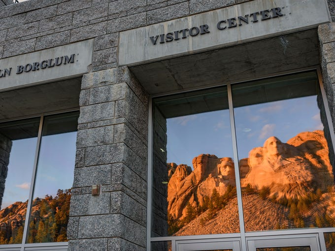Mount Rushmore Visitor Center, Keystone (DHM Design):