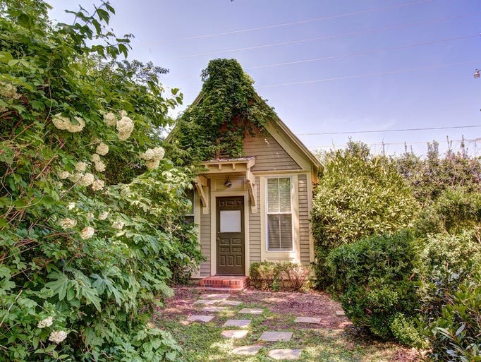 Alabama: This 100-year-old one-bedroom cottage in New