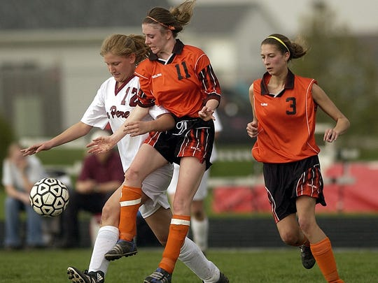 De Pere and West De Pere high schools battle in a 2003