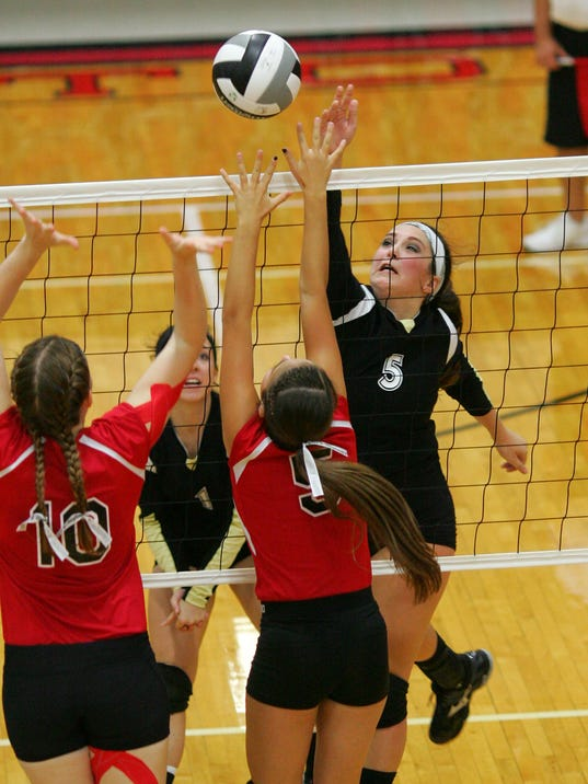 River View sweeps Coshocton in volleyball.