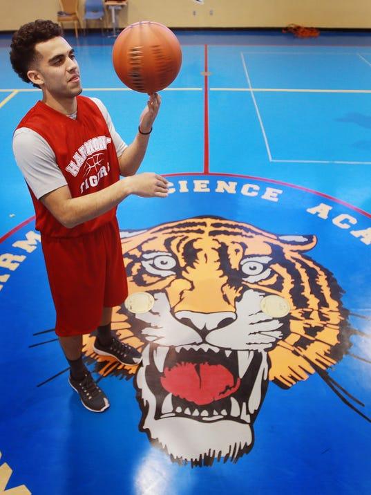 HS Basketball 2   74780468
