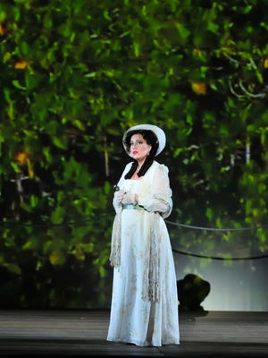 """Acclaimed soprano Elizabeth Caballero, who dazzled Nashville audiences in 2014, will sing the title role of Florencia in the debut of """"Florencia en el Amazonas"""" this week at Lincoln Center."""