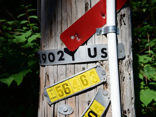 An eruv on a utility pole on West Saddle River Road
