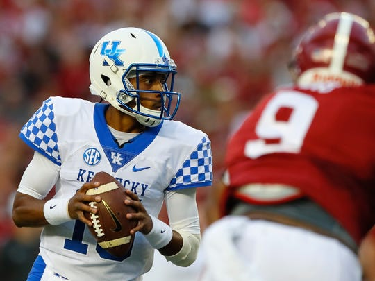 TUSCALOOSA, AL - OCTOBER 01:  Stephen Johnson #15 of the Kentucky Wildcats looks to pass against the Alabama Crimson Tide at Bryant-Denny Stadium on October 1, 2016 in Tuscaloosa, Alabama.  (Photo by Kevin C. Cox/Getty Images)