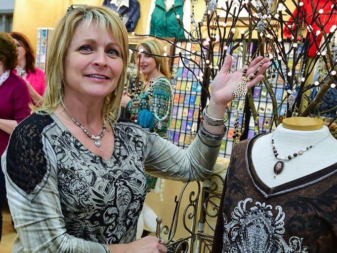 21 photos santa 39 s north pole village craft show for Jewelry arts prairie village