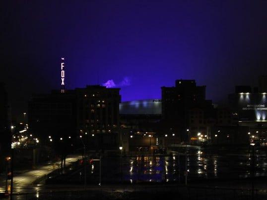 636222556366646489-Ford-Field-blue-glow.jpg