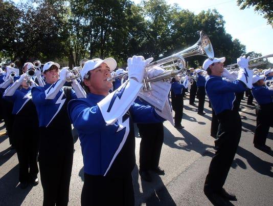 635787773392916401-MTSU-Homecoming-Parade