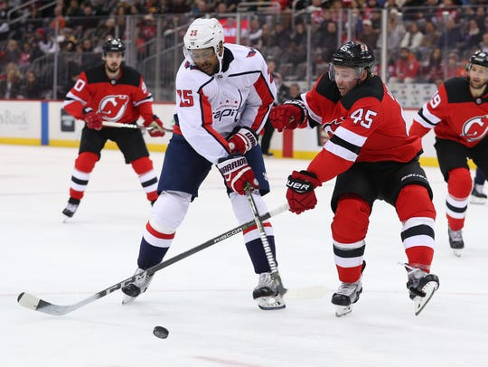 Washington Capitals right wing Devante Smith-Pelly