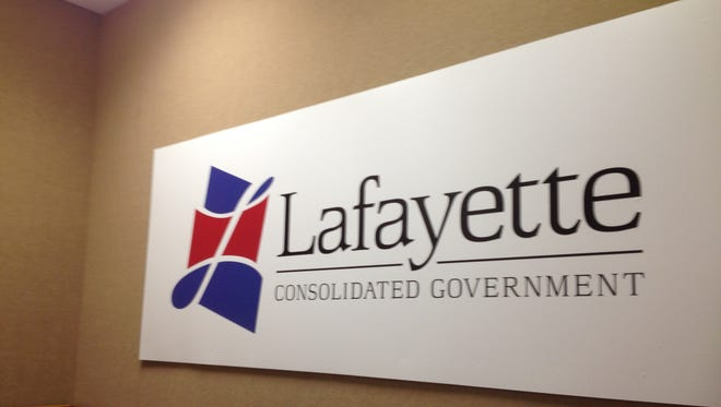 The Lafayette City-Parish Council will consider continuing a legal battle over a boundary with Vermilion Parish.
