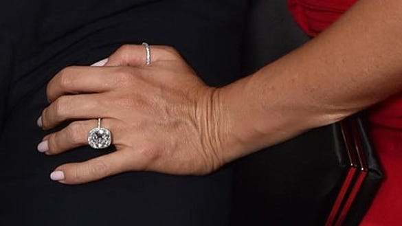 Zoom In Lets Take A Closer Look At Sofia Vergaras Massive