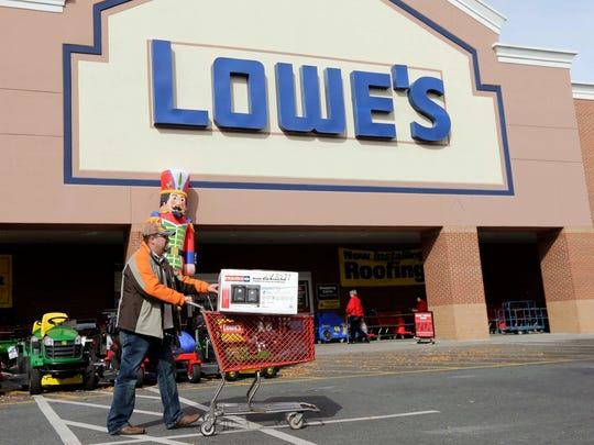 Veterans can receive a discount at Lowe's this Memorial Day.