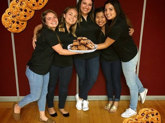 'Cookies and Conversation' allowed students to meet Advance Party members and ask questions about SGA.