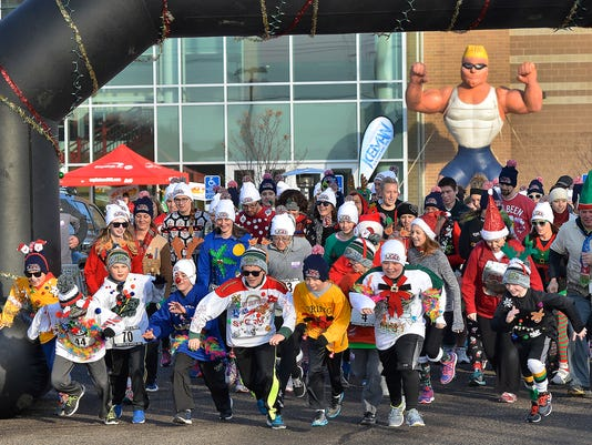 635849169549481313-1206-Ugly-Sweater-5K-01.JPG