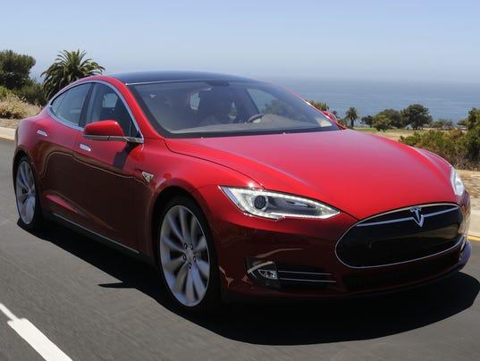 636029052172639986-Tesla-model-S.jpg