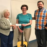 Library to offer guitar lessons