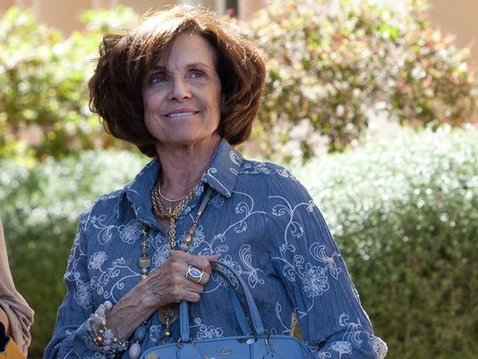 636420191836240035-1.-Valerie-Harper-in-My-Mom-and-the-Girl---Tibrina-Hobson-Photography.jpg