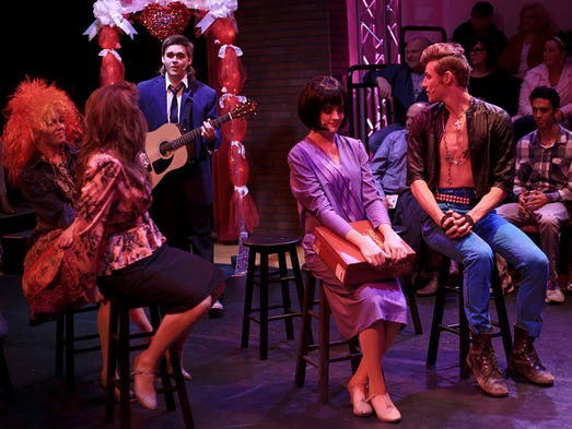 39 the wedding singer 39 at sgmt is full of fun for 13 a table theatre saint georges